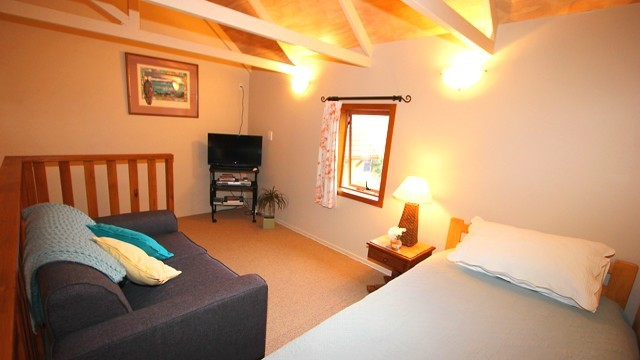 Beachhut Suite - open mezzaine floor upstairs